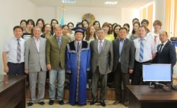 Корейлік ғалымға Қорқыт Ата университетінің құрметті докторы атағы берілді