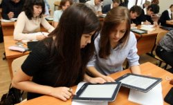 Вице-министр оқулықтан планшетке көшуді ұсынды