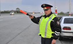 Полицейлерге көліктерді себепсіз тоқтатуға тыйым салынды