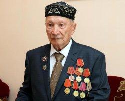 Қызылорда облысының әкімі Ұлы Отан соғысы ардагерін құттықтады