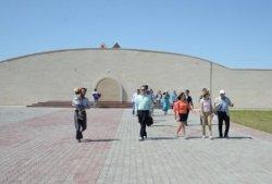 Форум қонақтары Қызылорданың туристік аймақтарын аралады