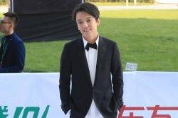 Димаш Құдайберген «China Top music Awards» шарасында қызыл кілеммен жүріп өтті