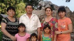 Үш әйелі бар Әбсаттар Мырзабековтың отбасы қазір қалай тұрады?