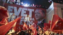 Түркиядағы референдум: Ердоған реформасын көпшілік қолдады
