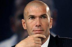Зиданға «Реалды» өмір бойы жаттықтыруға ұсыныс жасалды