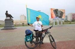ЭКСПО-2017: Велосипедпен жолға шыққан Орал тұрғыны Астанаға жетті